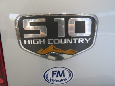 GM  S-10  HIGH  COUNTRY  2.8